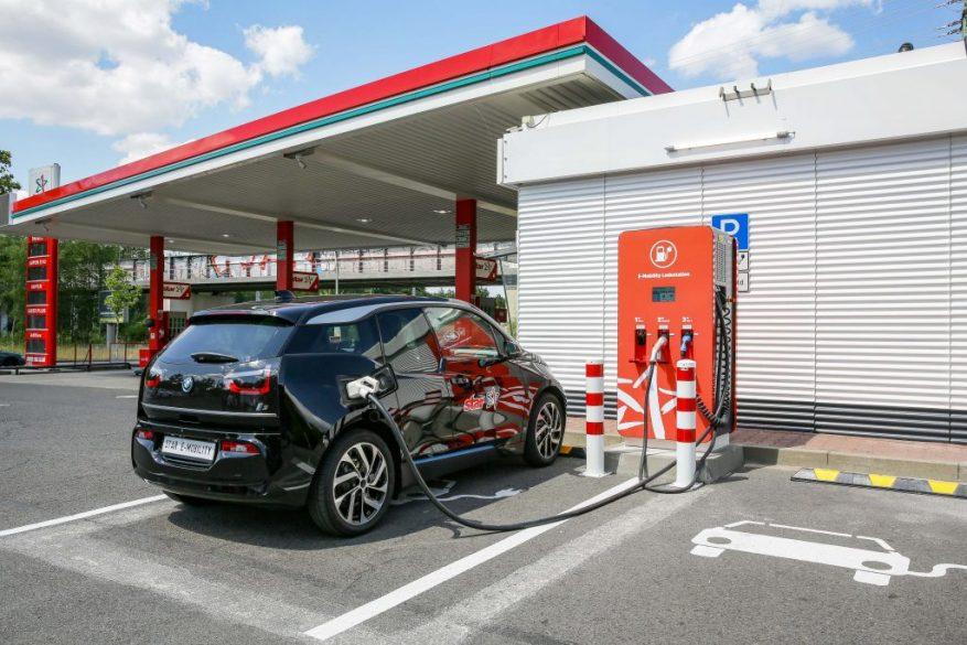 Stacja ładowania pojazdów elektrycznych ORLEN